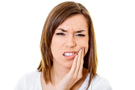 woman with sensitive teeth